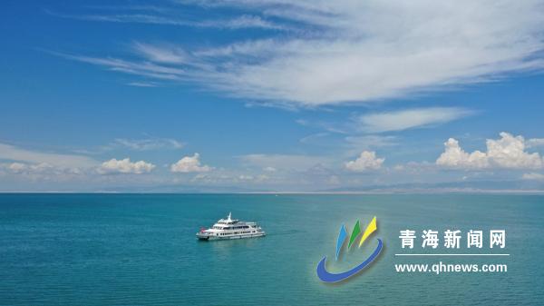 【2019网媒行专稿】青海湖:碧水绿岸生态美