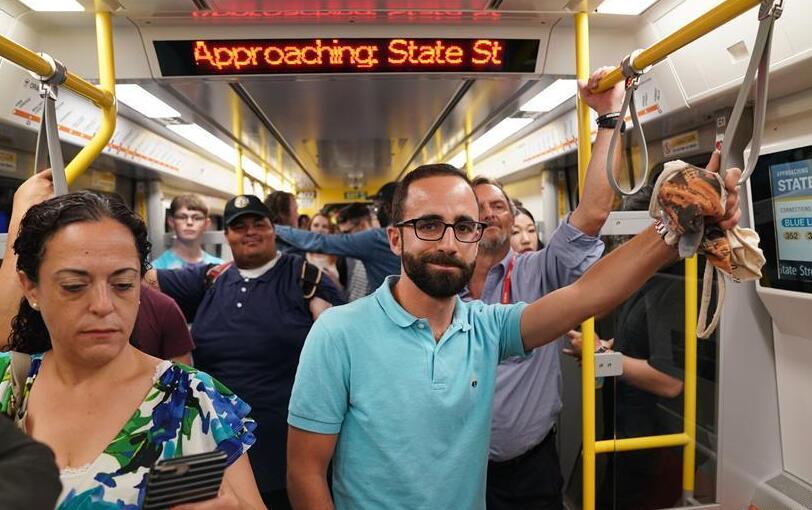 中车在美生产首批地铁车辆正式载客运营