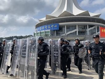 威武爆表 南宁公安应急处突演练吹响安保集结号