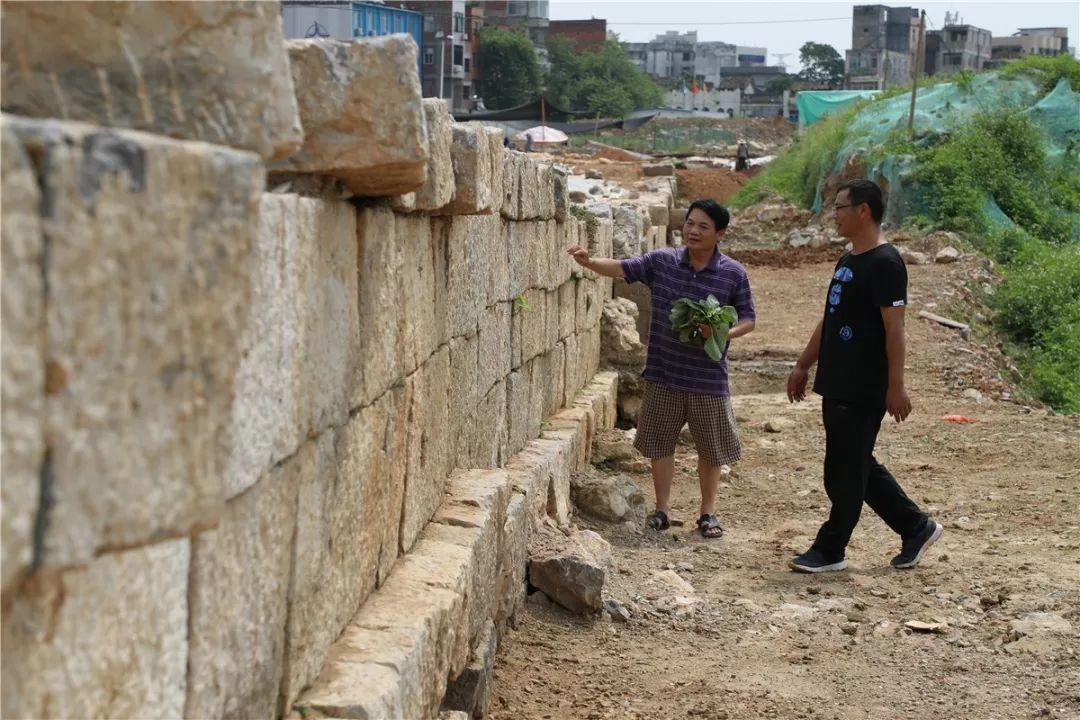 辛达的火盆使用卷怎么得:贵港考古又有重大发现 近300米古城墙基础露真容