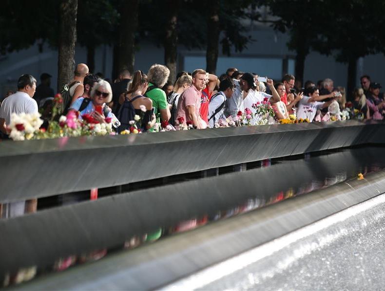 "美国悼念""9・11""恐怖袭击18周年"