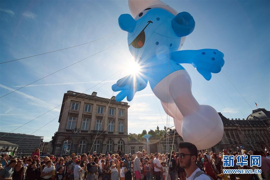 布鲁塞尔举办小星星歌词卡通气球大巡游