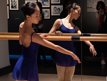 """""""一同走过――新中国舞蹈艺术70年""""展览在京开幕"""