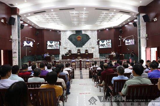 武宣县原住建局局长石灵受贿317.1万元 开庭受审