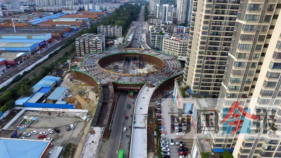 大转盘完成首次浇筑 柳州跃进路将可直通白沙大桥