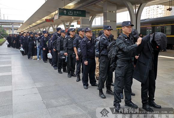 52名传销A级老总区外聚集被防城港警方一锅端