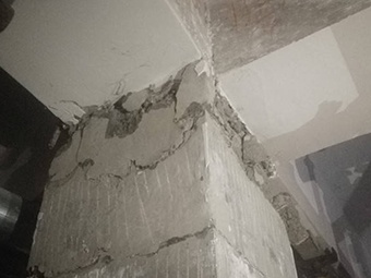 一小区住宅楼3根承重柱爆裂 部门:楼盘未经验收