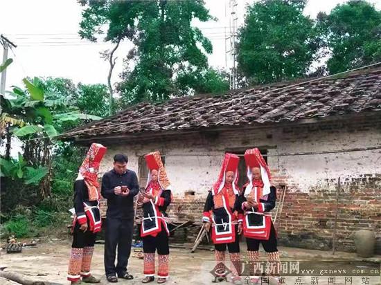 "4G网络成为峒中边境村民的""新农具"""