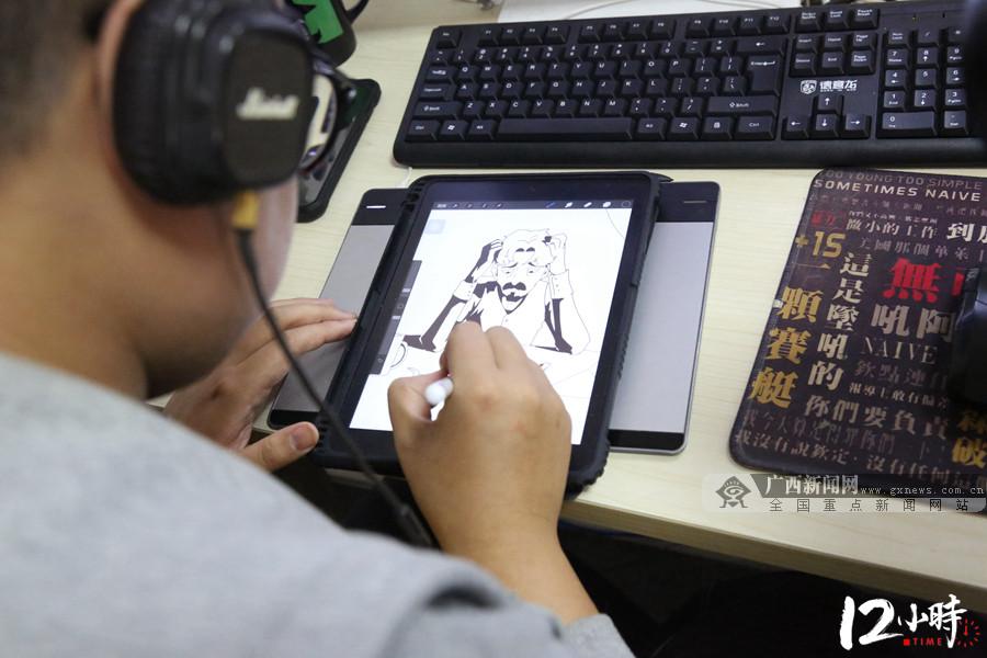 【12小时】邕城漫画人黄涛:做漫画路上有趣的追梦人
