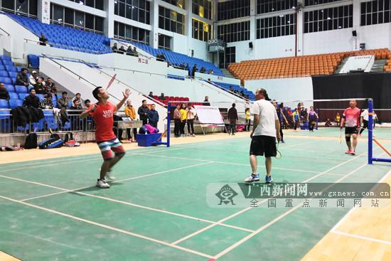 选手角逐混合团体荣誉 2019龙州县羽毛球比赛收官