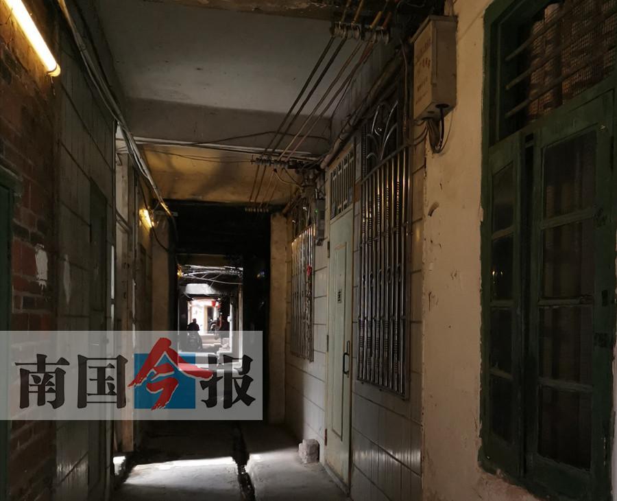 柳州:改造7�l路 打通河北新村生命通道