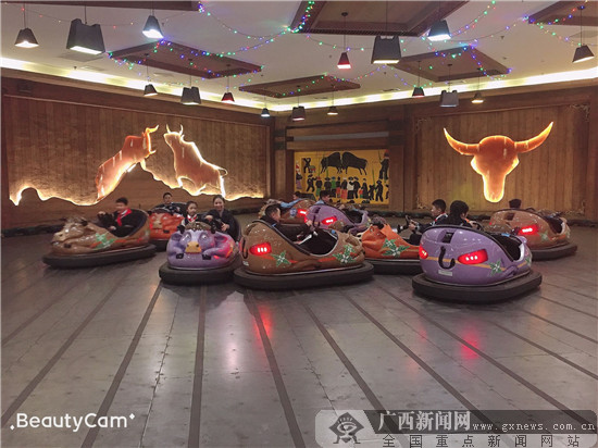 """民主路小學舉辦""""慶元旦,迎新年""""活動"""