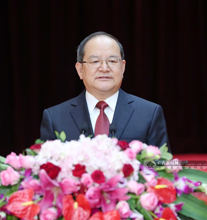 自治区春节团拜会在南宁举行