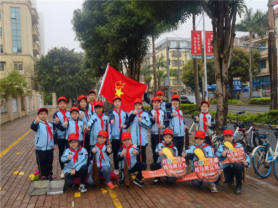 美丽微行动快乐小雷锋 南宁市仙葫学校开展学雷锋活动