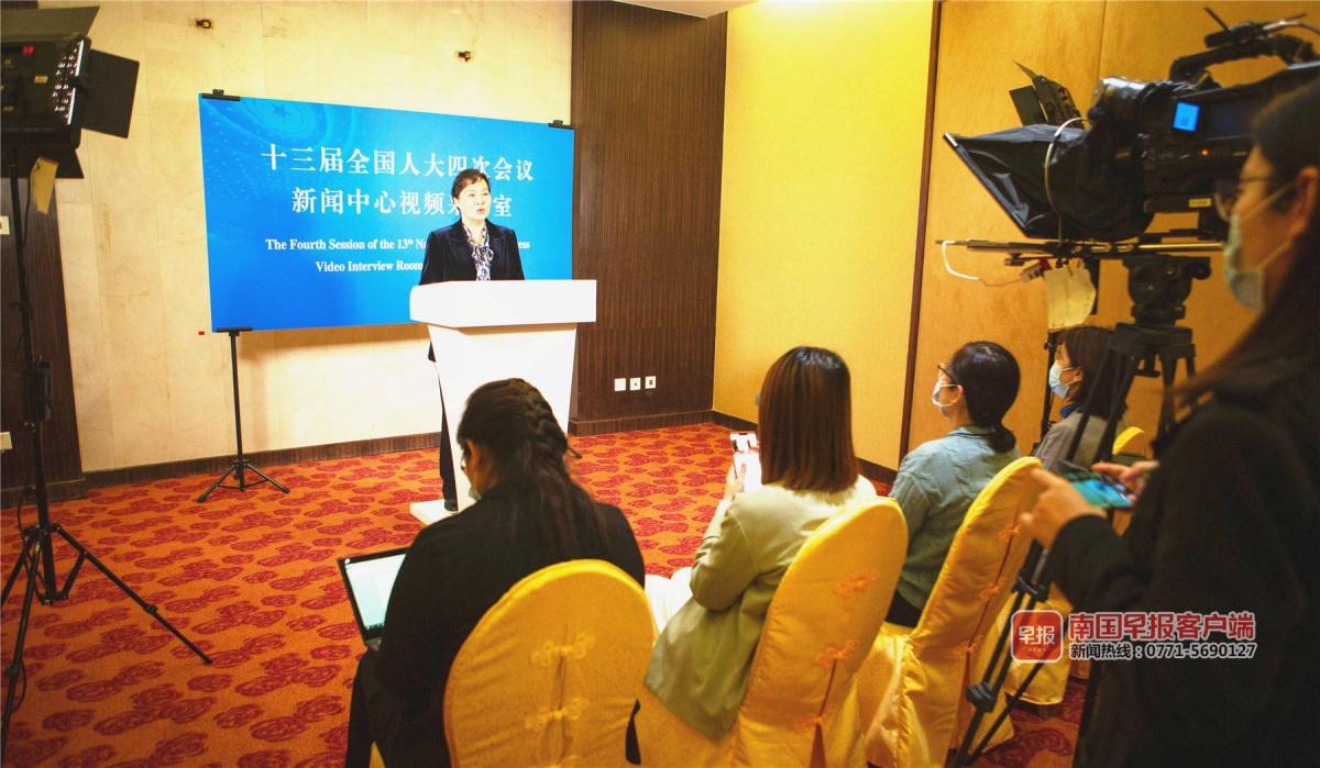 广西代表团代表提交13件议案282件建议 涉多领域