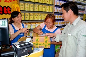 """上林邮政的""""五一"""":微笑中坚守 无悔的选择"""