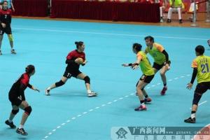 广西女子手球队出征全运会预赛 首战告负仍有机会