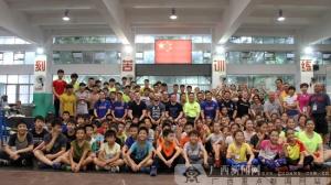南宁吴数德举重学校首迎美国高校举重队慕名访问