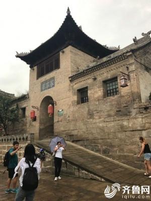 全国网媒走进上晋城庄村天官王府 完整古村落透射厚重历史感