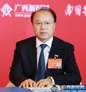 专访十九大代表、广西大学教授王双飞