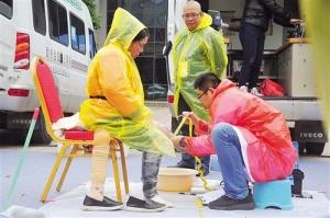 全国选手南宁比拼假肢制作