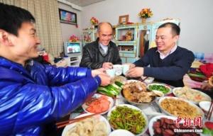 团圆饭 叩响春节大门
