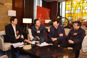 住桂全国政协委员讨论现场