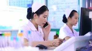三等奖《名片医生》----南宁市第一人民医院
