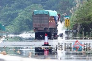 中断40小时后 桂柳高速恢复通车