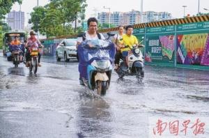 南宁交警提示:高温驾驶易犯困 雨季行车隐患多