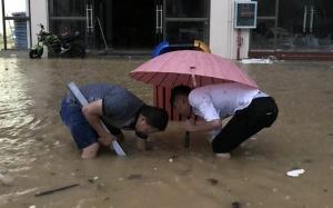 高清组图:崇左大新突降暴雨 县城变泽国
