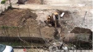 贵港一挖掘机挖土施工时引发爆炸 3人受伤(图)