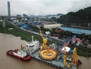 国产首根海洋脐带缆在宁波交付