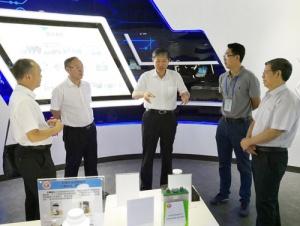 费志荣调研石墨烯技术研发和产业化情况