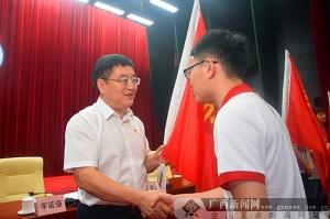 防城港:市委书记欢迎青年才俊前来施展智慧
