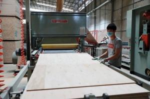 广西山圩产业园区引进多家企业入驻