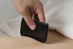 刮痧越用力越好?用力刮痧小心刮出健康隐患