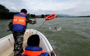 高清:融安举行防洪抢险应急救援演练
