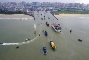 8月18日焦点图:千帆竞发 北海渔民迎开海捕捞季节