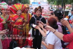 田阳田州古城举办特色壮乡宴迎接中元节