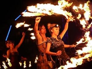 第十三届波兰火焰艺术节精彩上演