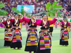 西藏日喀则第十六届珠峰金沙国际娱乐官网旅游节开幕