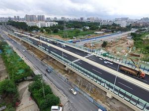 8月31日焦点图:南宁快环三座立交主线通车