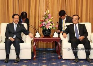 陈武会见老挝副总理宋迪