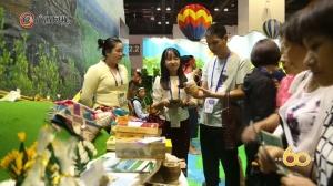老挝·万象省:乐器演奏吸人眼球