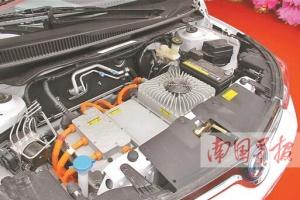 买车6.5万换电池6.9万 新能源车天价维修让人无奈
