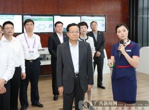 陈武率广西政府代表团在成都考察