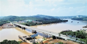 泉南高速那容至南宁东改扩建工程明年底基本建成