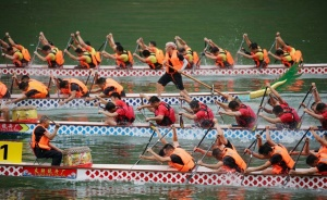 广西龙舟系列赛隆林站收官 总决赛10月2日举行