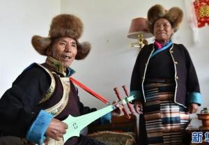 西藏山南:老年福利院的夕阳情缘
